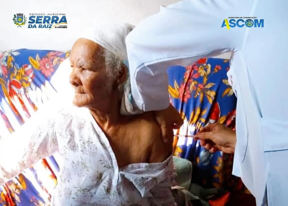 Inicio da aplicação da dose de reforço em idosos